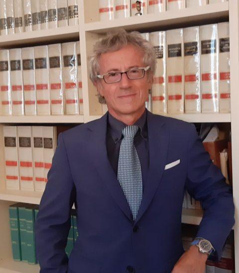 avvocato Luigi Riccio